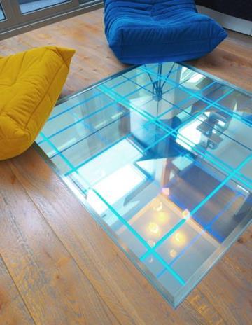 Dno wykonane z lustra z piaskowanym wzorem pod oświetlenie LED.