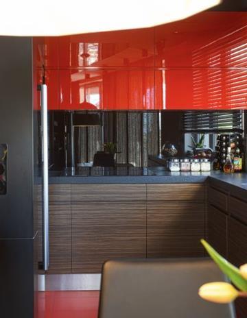 Panel kuchenny ze szkła bezpiecznego lakierowanego.